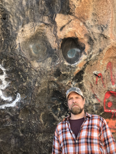 Mike at 'Alien' grafitti.HEIC