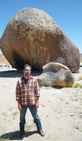 Carl and Giant Rock.png