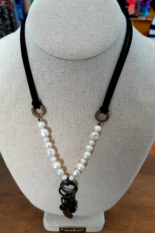 Pearl & Metal Necklace