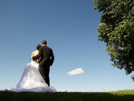 Tips to Reach Brides Planning Their Summer Weddings