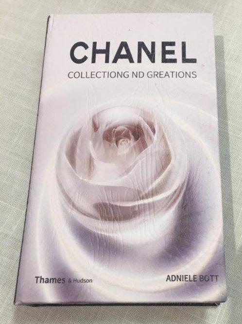 135774 Caixa Livro Chanel Peq