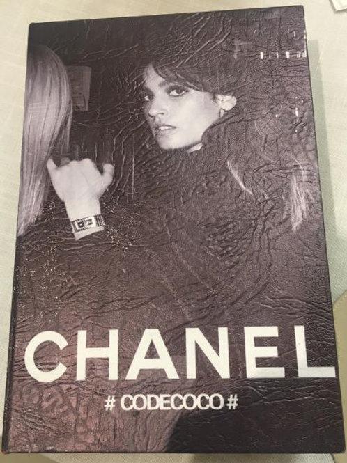 135784 Caixa Livro Chanel Gde Preta