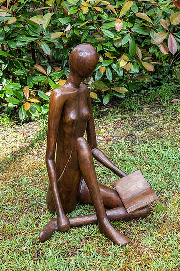 Grande lectrice assise bronze à la cire perdue