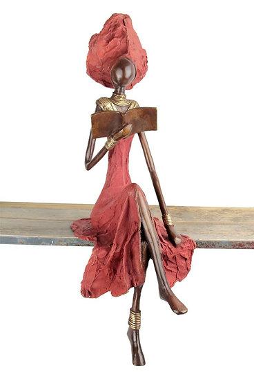 Femme assise exceptionnelle 56 cm