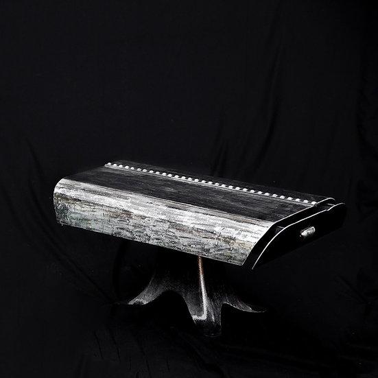Table base métal riveté recyclé avec pied tulipe