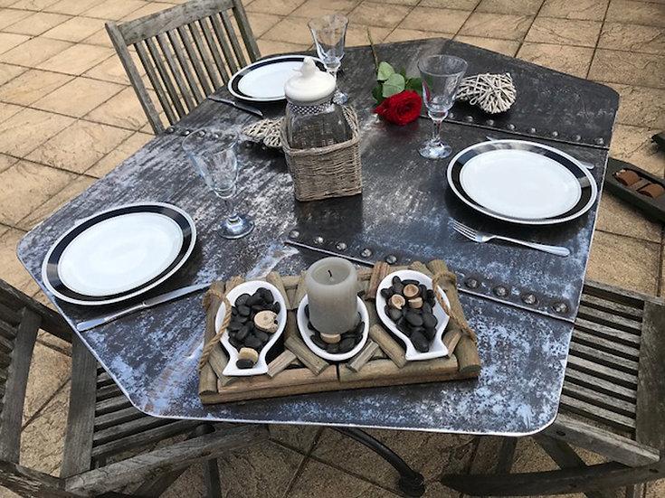 Table à manger en métak riveté recyclé