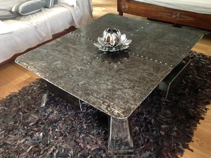 Table basse en métal 100% recyclé