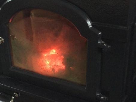薪ストーブの炎