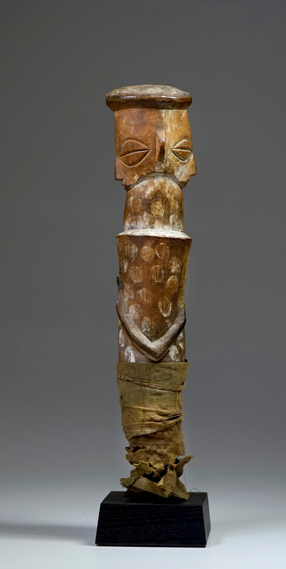 Yaka Figure