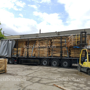camion piquets acacia bois robinier clot