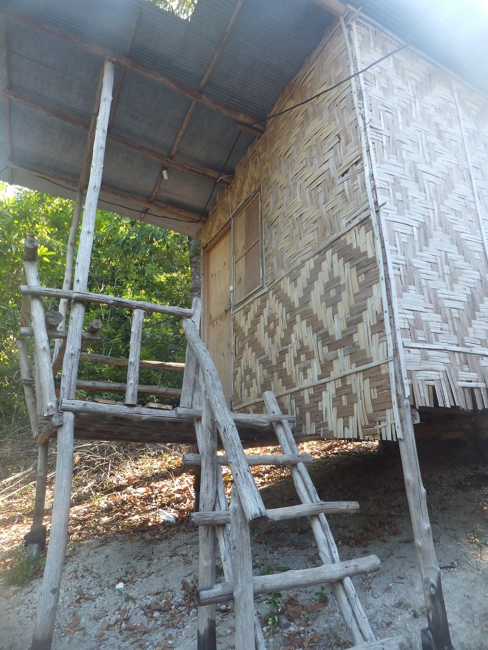 where to stay ton sai railay beach thailand