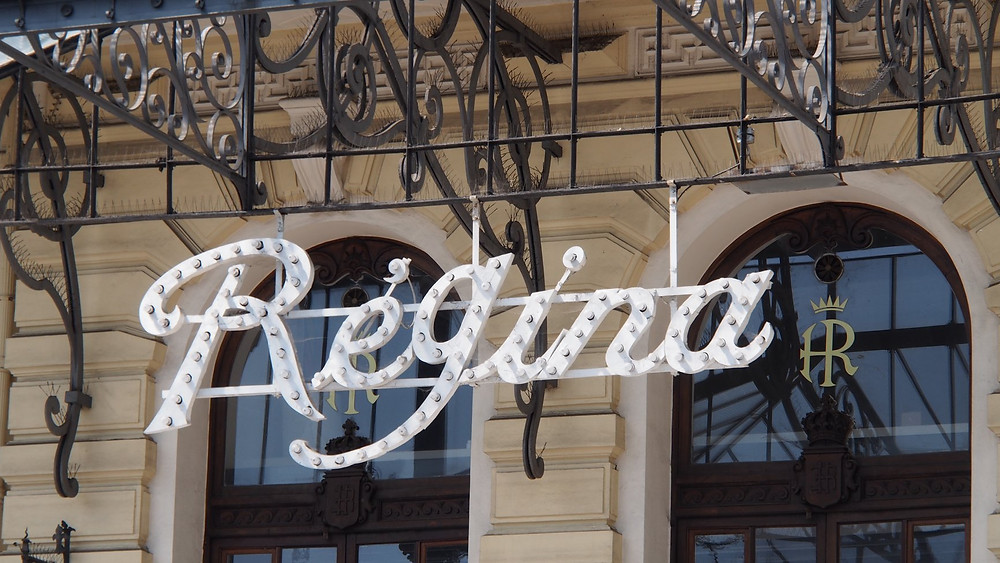 Hôtel Regina Cimiez enseigne classée monument historique Jean-Christophe DIMINO spécialiste immobilier Nice prestige Cimiez