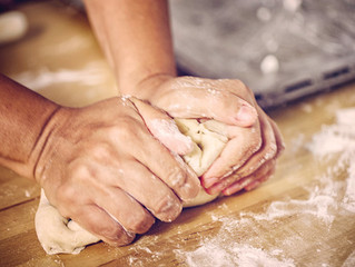 Romance tips for the college chef: Wooing women with bread