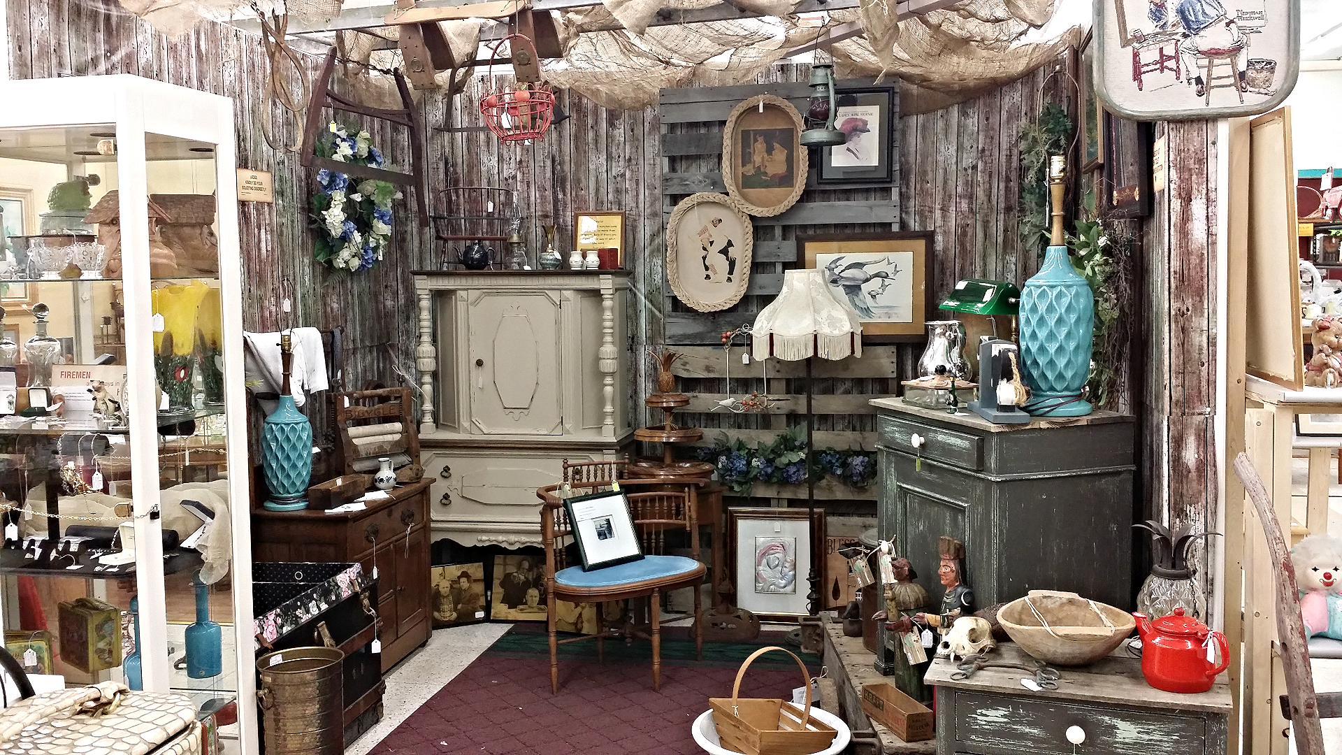 Wickliffe Flower Barn & Antiques