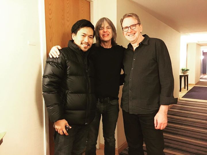 เดินไปห้องน้ำไม่เจอห้องน้ำ เจอแต่ศิลปิน!!! We walk for restroom but we met Artist!! #mikestern #tomk
