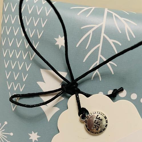 Wish bracelet & gift tag