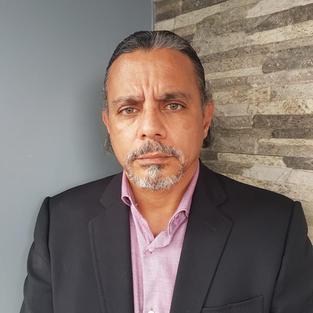 César Bustamante