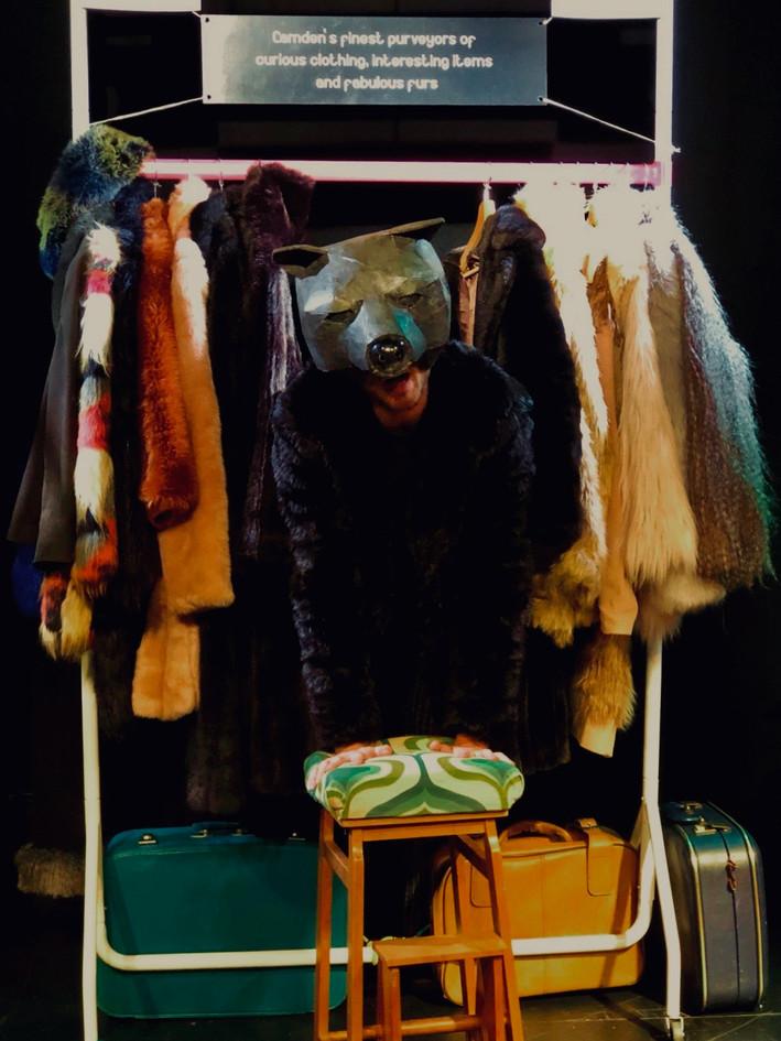 FAUX - Bear (Bear-skinned coat coming to