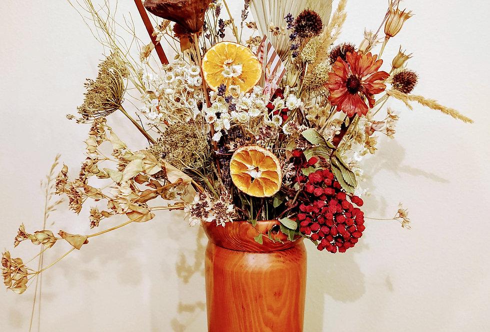 Wooden vase/dried flowers
