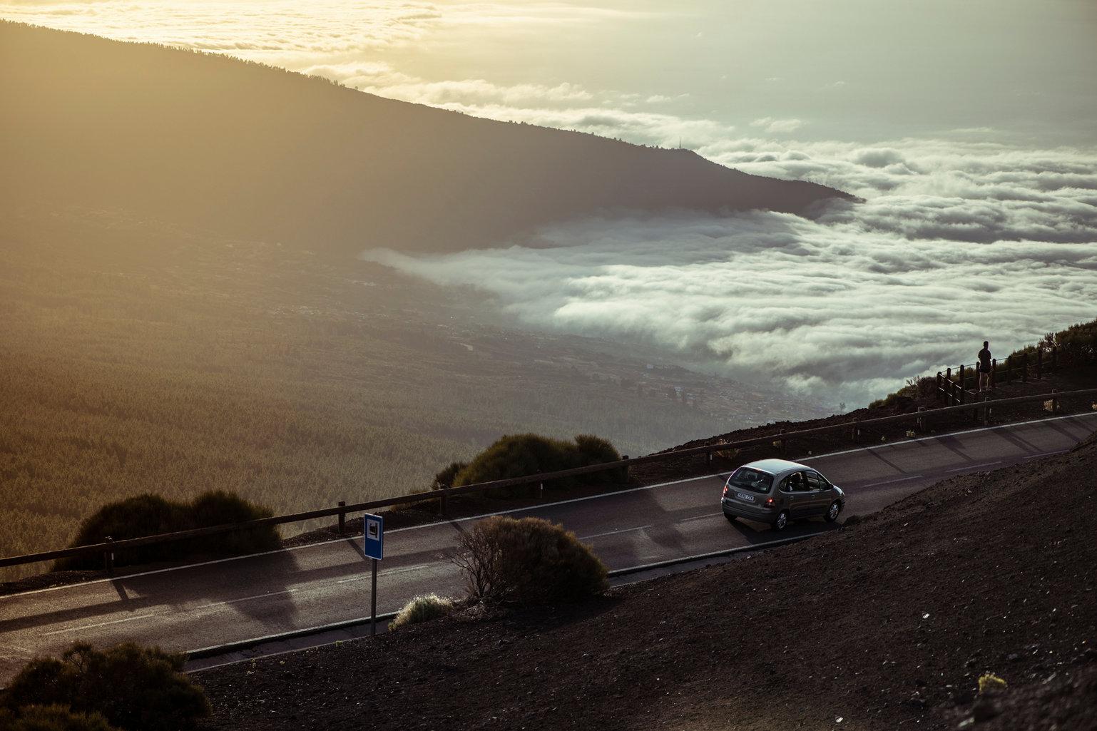 Conduciendo hacia el mar de nubes