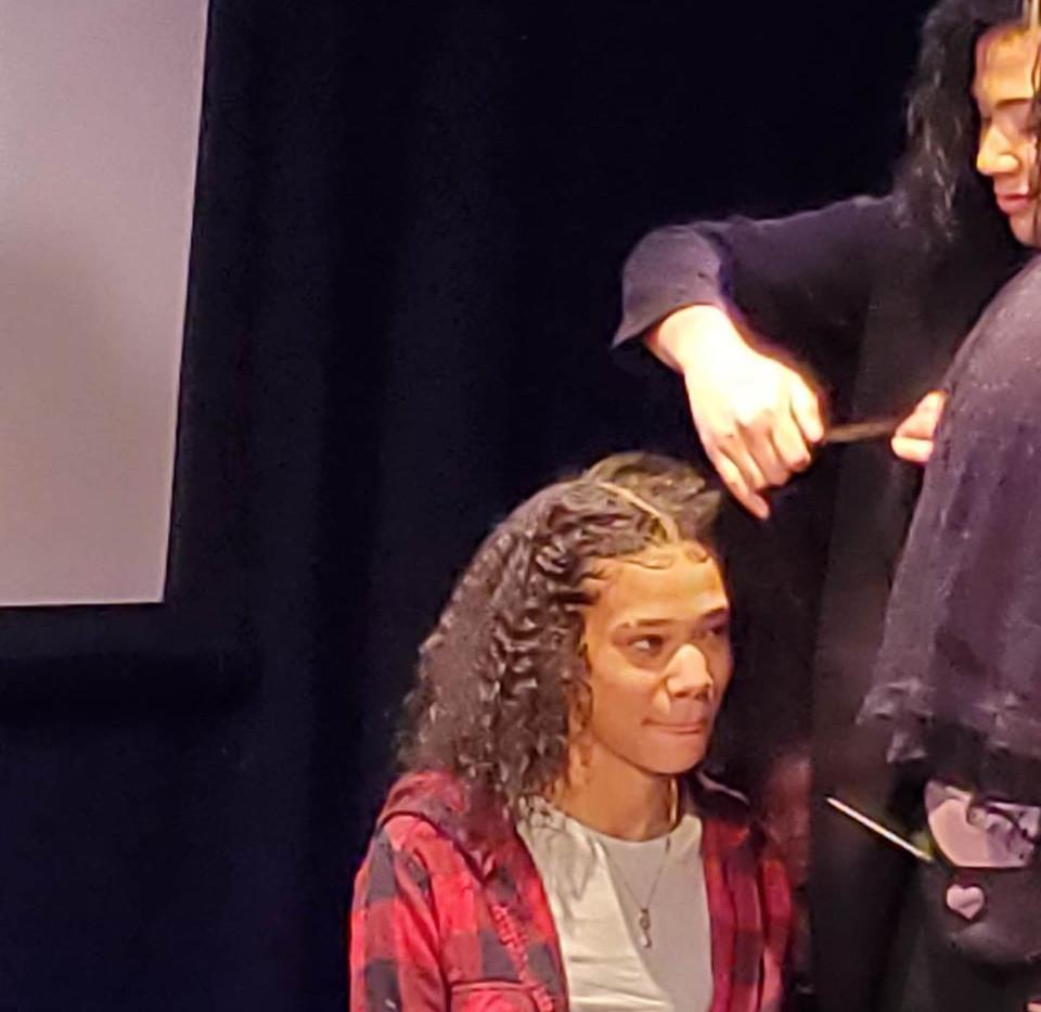 Hair contest - model Raven Stephenson -