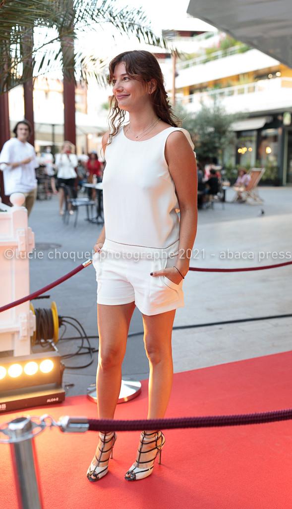 Alice Pol sur le tapis rouge du festival Cinéroman de Nice