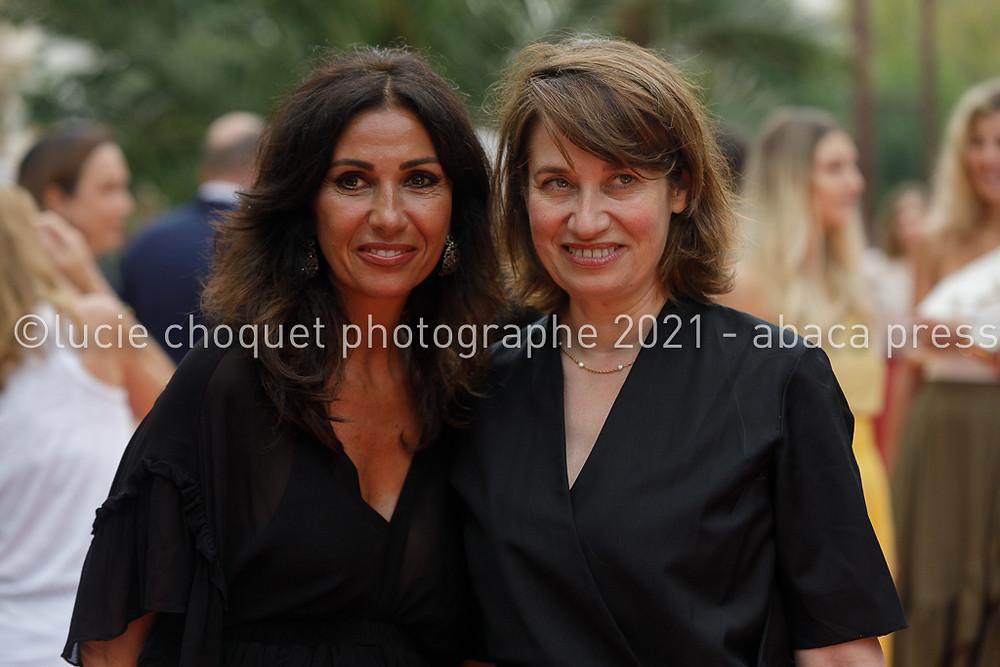 Nathalie Benoin et Emmanuelle Devos sur le tapis rouge du festival cinéroman de Nice