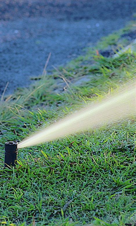 IRRIGAZIONE - Napoli -Tubi in polietilene bassa e alta densità e raccordi  Irrigatori statici e dinamici  Elettrovalvole  Programmatori  Accessori : pozzetti, presa a stat