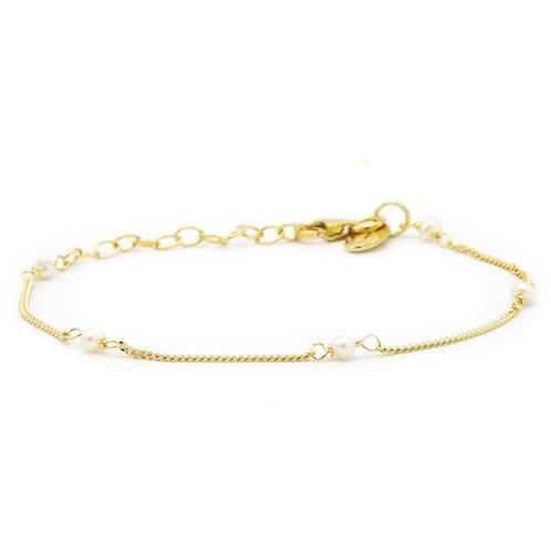 Karma armband pearls