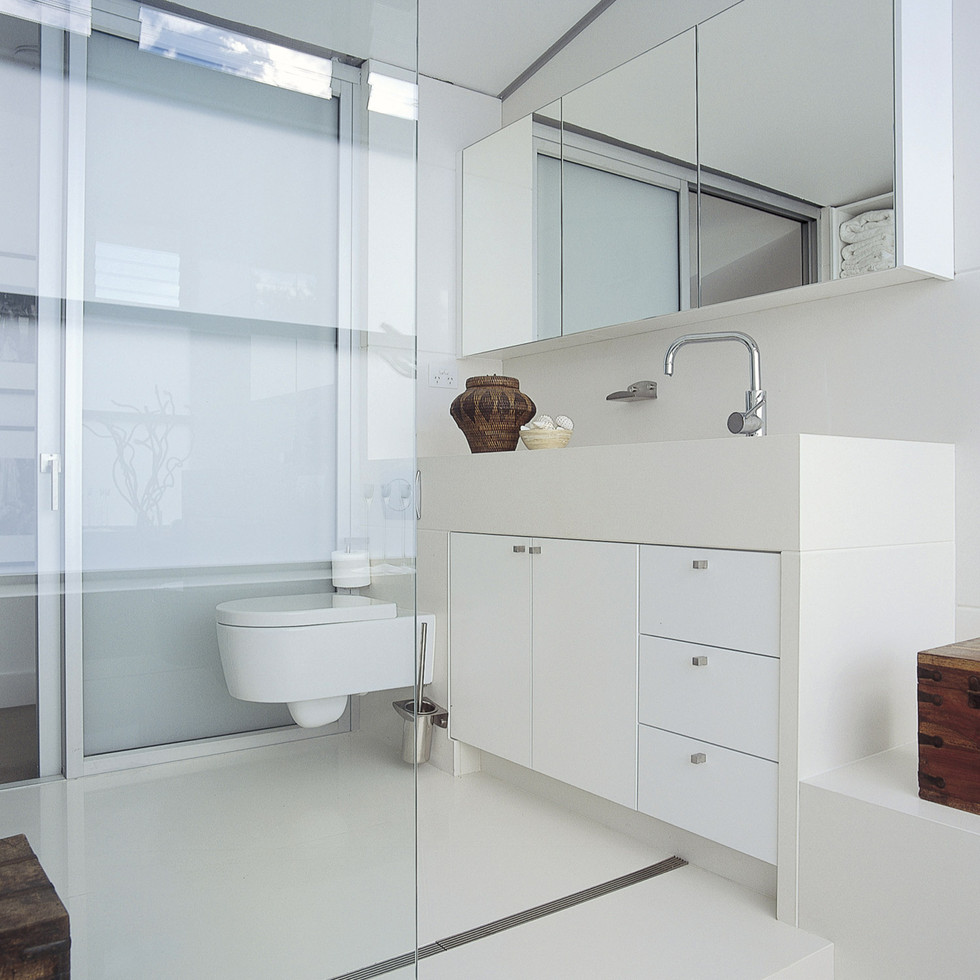 2141_Snow_bathroom.jpg