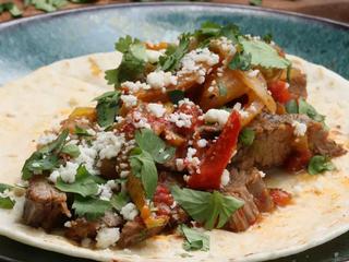 慢燉墨西哥牛肉卷