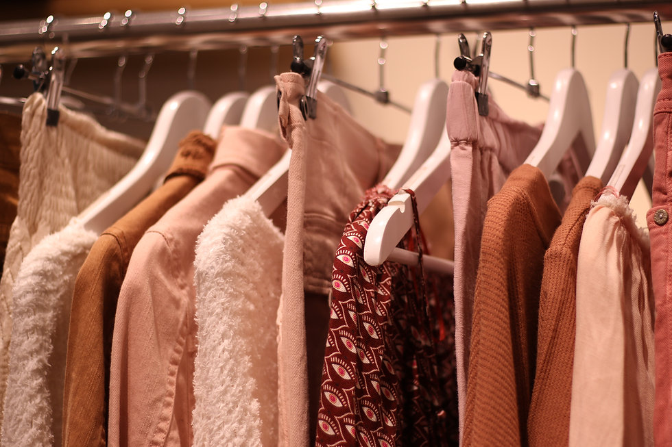 clothes-3987460.jpg