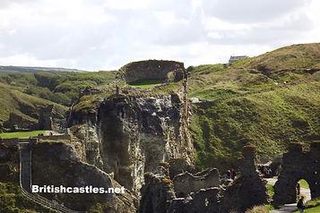 Руины замка  раннего Средневековья на севере Корнуолла
