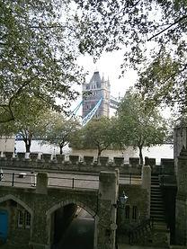 Лондон, Тауэр, Тауэрский мост