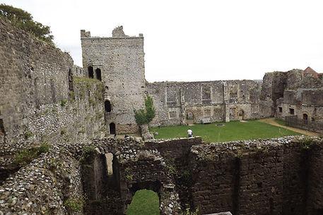 римский форт, а позднее норманнский замок