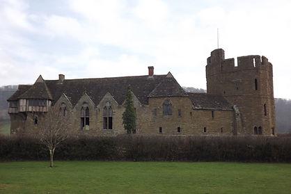 графство Шропшир, укрепленная усадьба