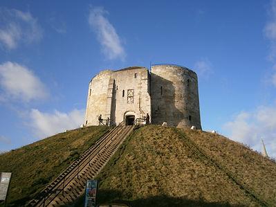 Башня Клиффорд, замок Йорк, Йоркшир