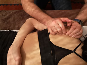 deep tissue massage shoulder