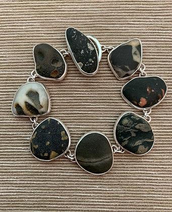 Vignettes in Stone :: Beach Stone Bracelet