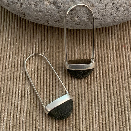 Stone Basket Earrings :: 2.0 M Dark Grayish Black #11