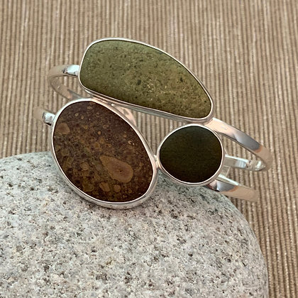 The One That Stayed Home :: 5 Beach Stone Reversible Cuff