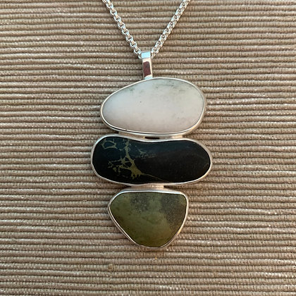 Pals :: 3 Beach Stone Cluster Pendant, Medium