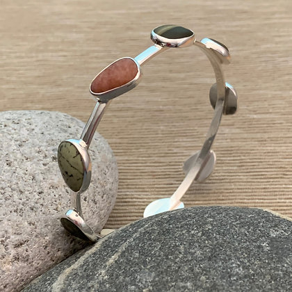 9 Scattered Beach Stones Bangle