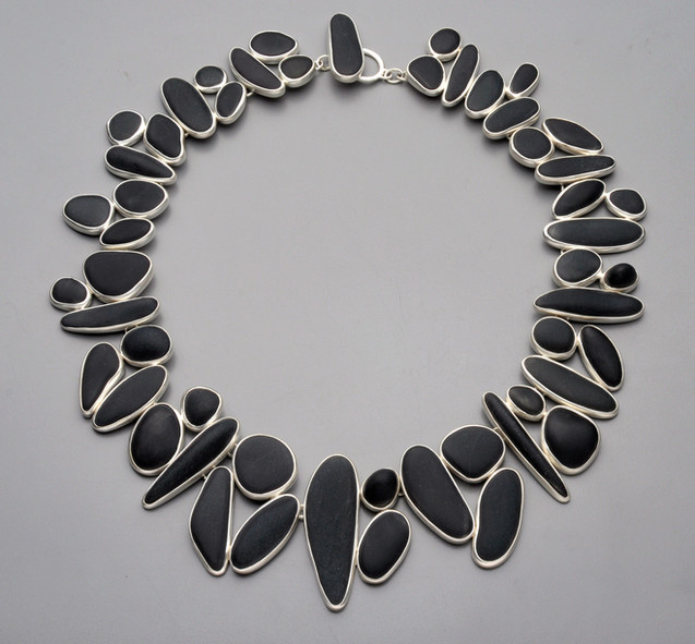 basalt cluster necklace