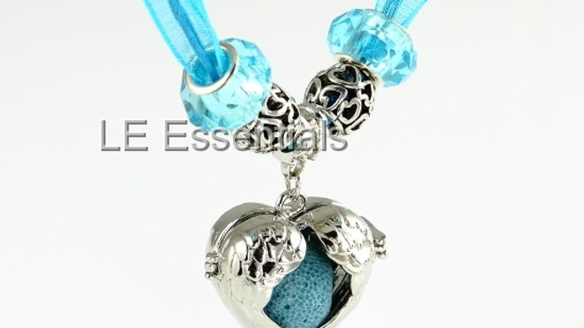 Open Wings Organza Diffuser Necklace - LE Essentials Pairs