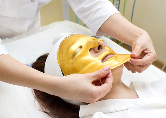 gold mask cosmetic procedure in the beau