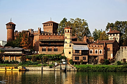 Medieval borough, Castle and River Po