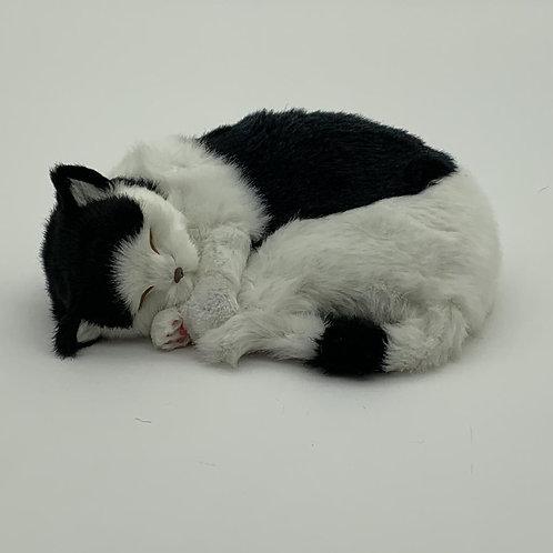 "12""SLEEPING CAT B&WHITE COLOUR PLUSH FABRI"