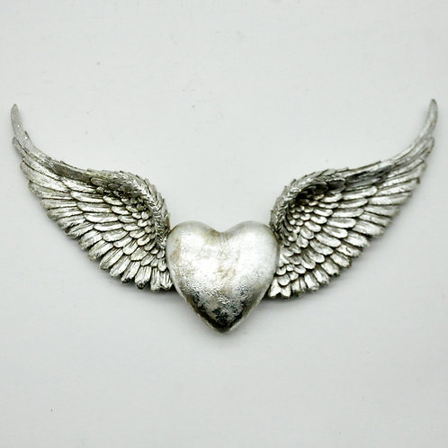 HEART WINGS WALL DECORATION