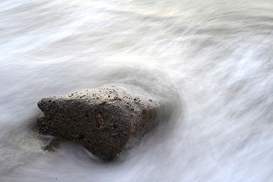 stone-731431_1280.jpg